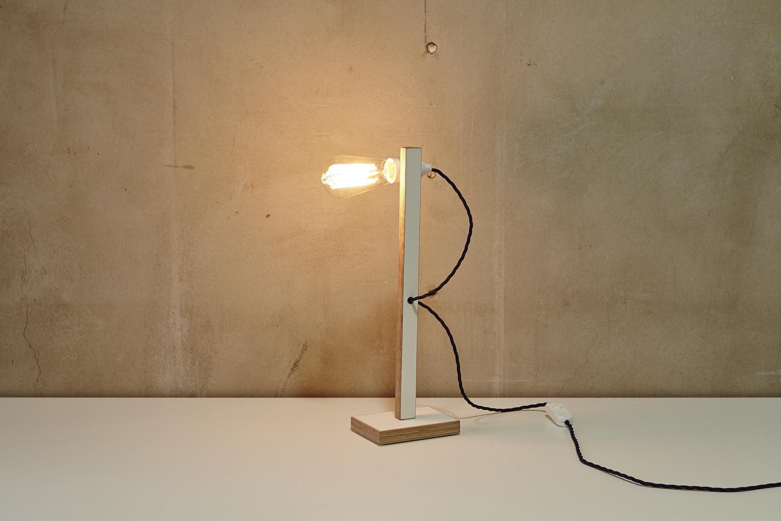 Lichtobjekt MINIPLI mit Retro Glühbirne von Georg Emrich / Diverses